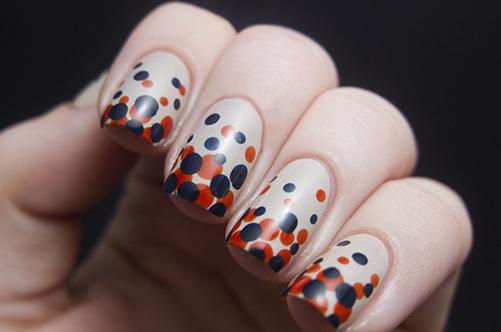 Фото дизайна ногтей с дотсом