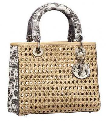 f138a7b8c561 Женская сумка — WomanWiki - женская энциклопедия