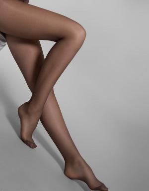 Фото женских ступней в колготках